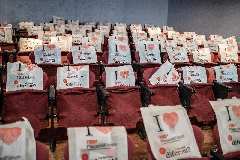 Recupera les millores imatges del TEDxPlaçadelFòrum 2016